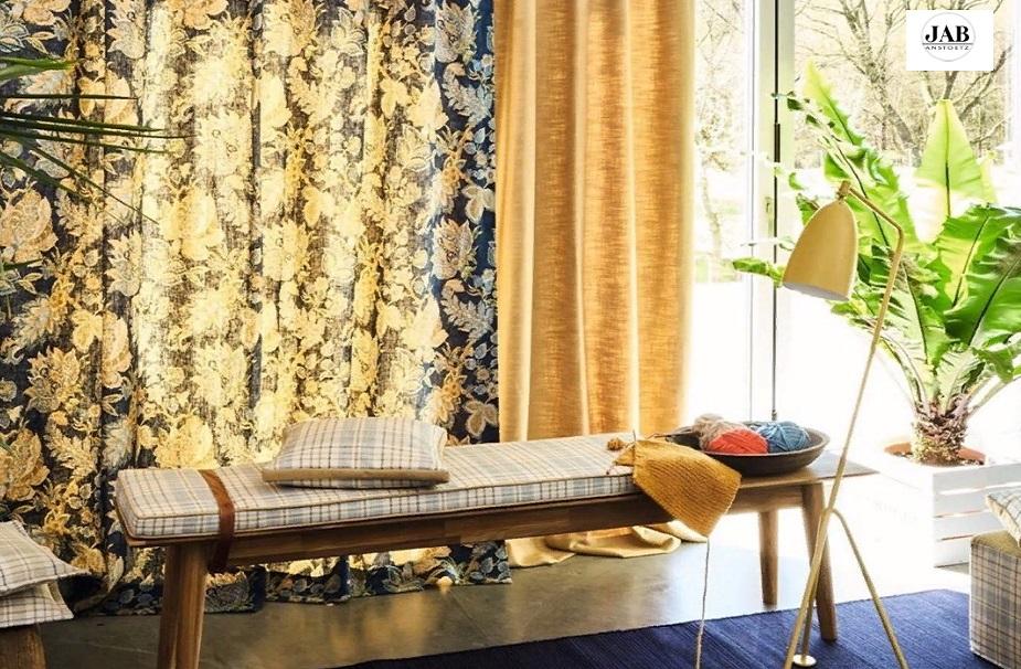 Рисунок причудливых растений на ткани для штор