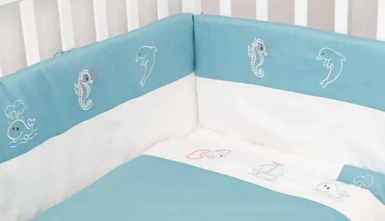 Вышивка на мягких бортиках бекской кровати