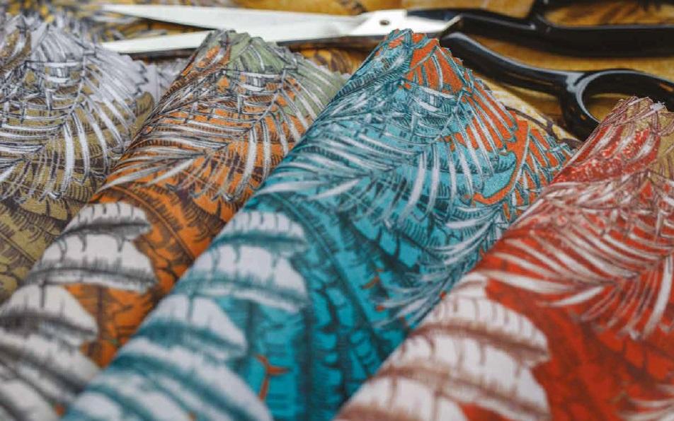 Яркие ткани для штор и портьер