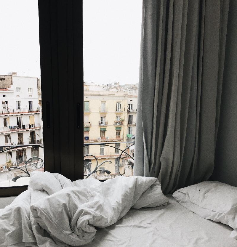 Как выбрать лучшие шторы в спальню