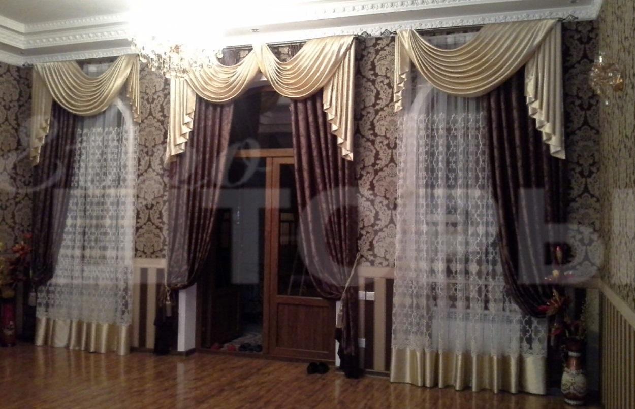 классические шторы с ламбрекенами