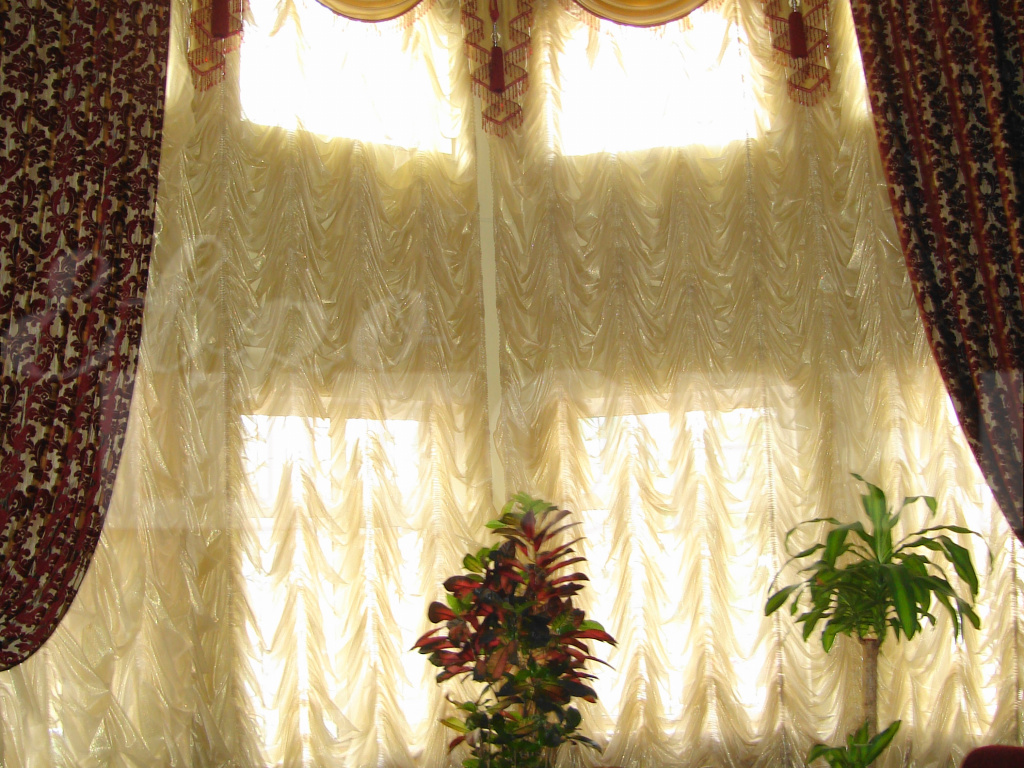 Пошив австрийских штор на окна в Ростове